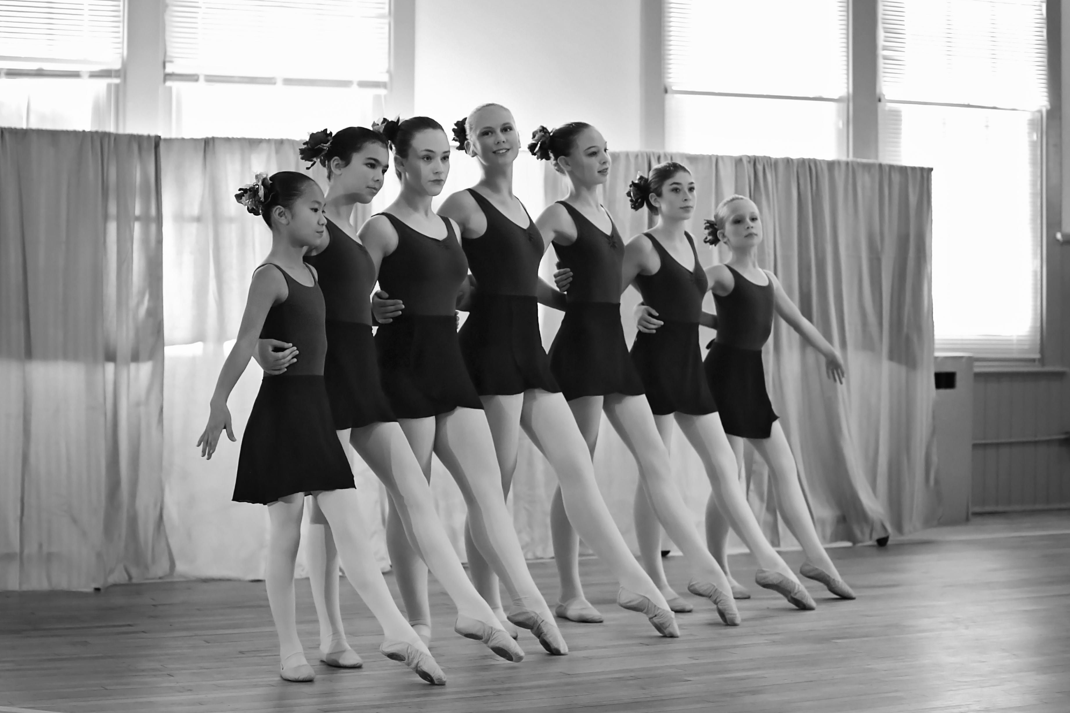balletshow1bw